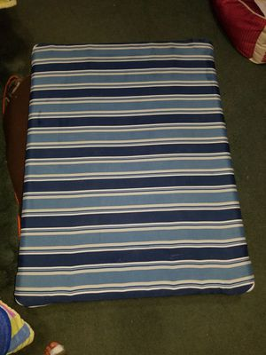 Raised dog bed for Sale in Campbell, NY