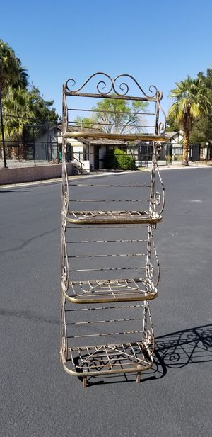 Steel Bakers Rack Shelving Unit for Sale in Las Vegas, NV