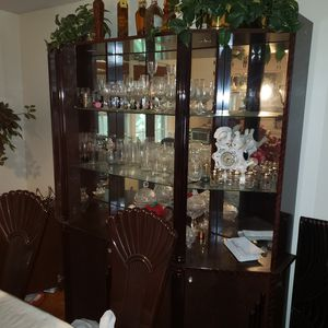 China hutch for Sale in Powder Springs, GA