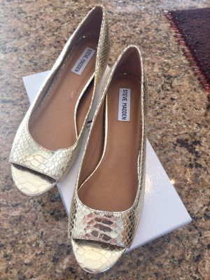 Steve Madden Gold Shoes for Sale in Middletown, CT