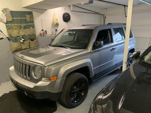 Jeep patriot 2016 miles 63000 title rebuilt such nice SUV 👌 super clean drive perfect pictures available be4 Vs After for serious cash buyer has spo for Sale in Worthington, OH