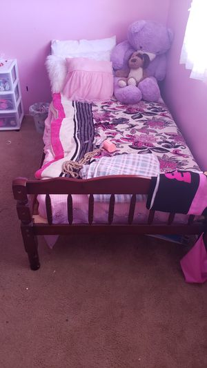 kid bed 2 beds. bunk beds for Sale in San Diego, CA