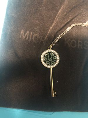 Michael Kors Necklace for Sale in Las Vegas, NV