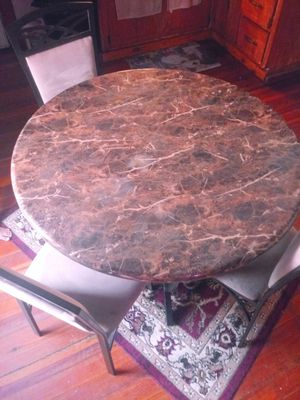 Free table n 4 chairs pick up only for Sale in Chicopee, MA