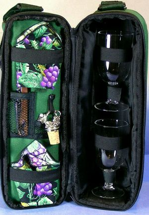Opus picnic time deluxe insulated wine tote service for 2 for Sale in Ashburn, VA