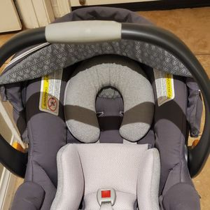 Baby Infant Car Seat Chicco Keyfit30 for Sale in San Diego, CA