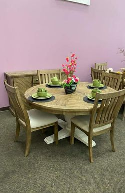 New Grindleburg Dining Room Set / table and 4 chairs for Sale in Houston,  TX