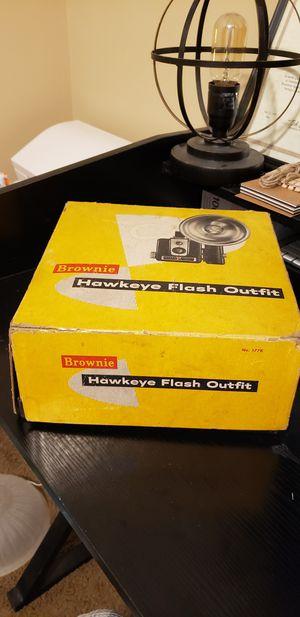 Brownie Hawkeye flash camera for Sale in Murfreesboro, TN