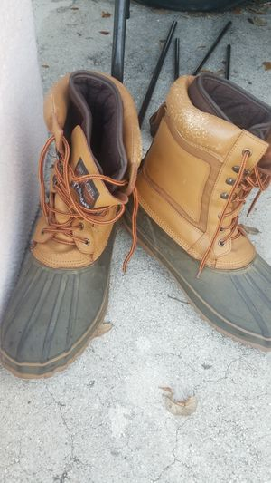 Size 14 mens snow boots for Sale in Fort Lauderdale, FL