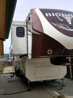 2017 40' Heartland Bighorn 5th wheel for Sale in Sebeka, MN