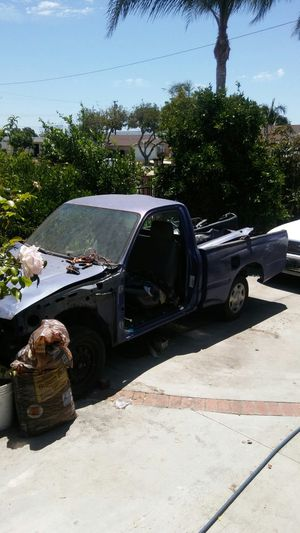 Toyota Tacoma 1996 for parts for Sale in Garden Grove, CA