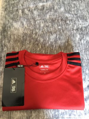 "Authentic "" Adidas"" Sport T-Shirt Style Pique' Clima Lite 3- Stripes Regular Fit new never used size M for Sale in Lynwood, CA"