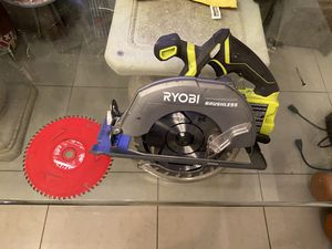 Circular saw Ryobi 7 1/4 for Sale in Hialeah, FL