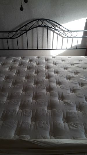King size bed, mattress cover, box mattress, headboard and metal frame for Sale in El Paso, TX