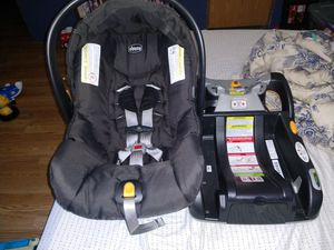Chicco keyfit car seat and base for Sale in Knoxville, TN
