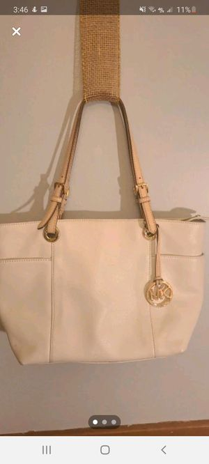 Authentic Michael Kors bag for Sale in North Ridgeville, OH