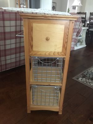 Kitchen side table for Sale in Clermont, FL