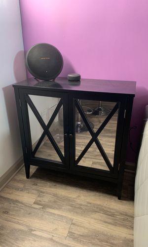 Black accent table for Sale in Atlanta, GA