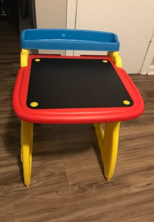 Kids Crayola Desk for Sale in Forest Park, GA