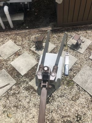 Weight Distributing Hitch for a Travel Trailer for Sale in Jupiter, FL