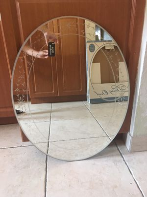 Oval Mirror for Sale in Coral Gables, FL