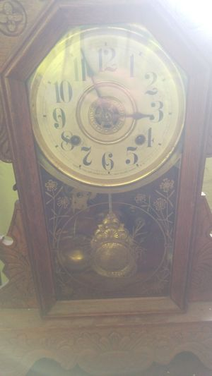 New haven kitchen clock for Sale in Everett, WA