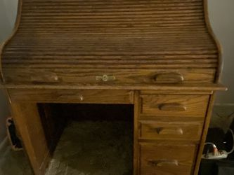 Classic Solid Oak Roll Top Desk for Sale in Milwaukie,  OR