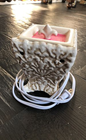 Wax warmer plug in scentsy for Sale in Pembroke Pines, FL