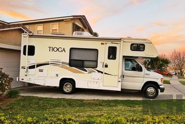 2003 Fleetwood Tioga Motor Home for Sale in Los Angeles,  CA