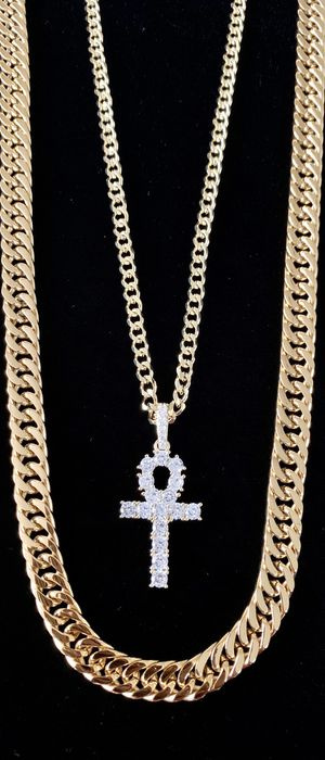 ANKH FULL DIAMONDS CZ 18K GOLD CHAIN MADE IN ITALY for Sale in Miami, FL