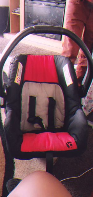 Baby Trend Car Seat for Sale in Detroit, MI