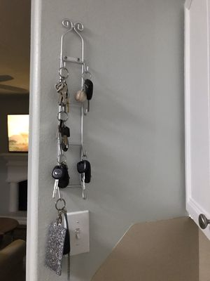 8 Hook Key Holder Rack For Home Decor Wall for Sale in Spring, TX