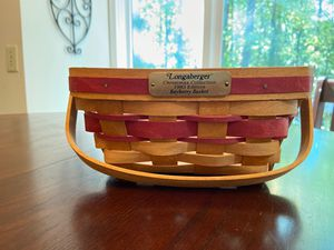 Longaberger 1993 berry basket for Sale in Marietta, GA