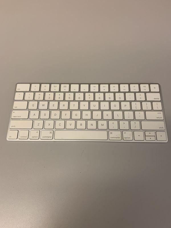 Magic Keyboard 2- Apple- LIKE NEW!