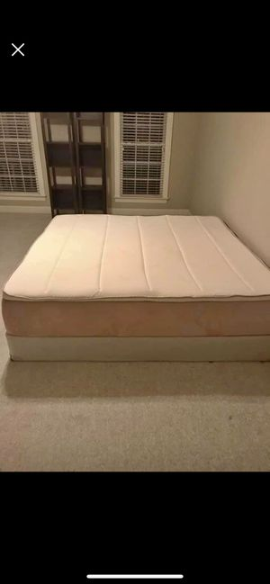 Tempur-pedic Allura King Mattress and Box Springs for Sale in Brentwood, TN