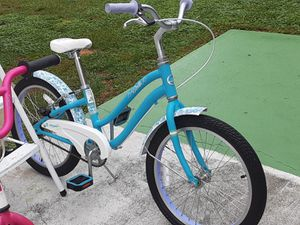 GIRL KID'S BIKE'S (2) $50 BOTH BIKE'S $50 TAKE BOTH $50 for Sale in Baldwin, NY