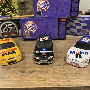 Dale Earnhardt, Bobby Hamilton, Jeremy Mayfield Action Racing 1:24 Scale Stock Car for Sale in Taylor, MI