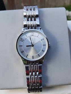 a . new day watch Shelf Adjustable - Bracelet for Sale in Lynnwood,  WA