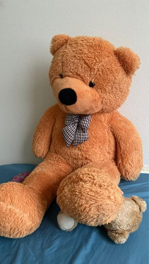 Huge teddy bear for Sale in Charlotte, NC