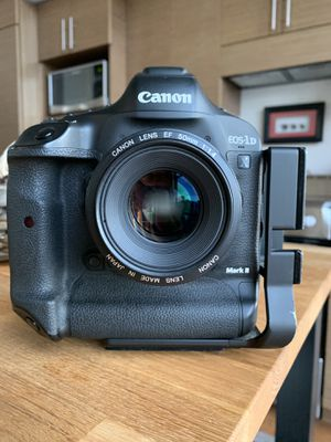Canon 50mm f1.4 for Sale in Seattle, WA