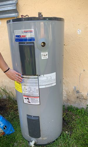 American water heaters for Sale in Miami, FL