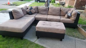 Beautiful sectional with ottoman for Sale in Warren, MI