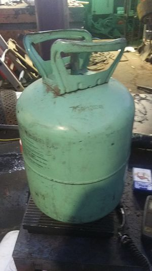 16 lbs. R22 freon. NEW 100.00 for Sale in Glendale, AZ
