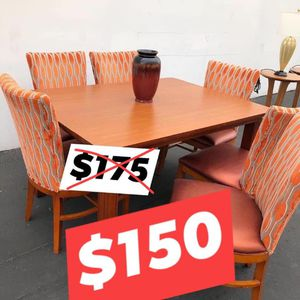 Dining table with chairs for Sale in Las Vegas, NV
