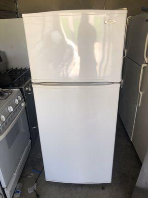 Whirpool Refrigerator for Sale in Santa Ana, CA