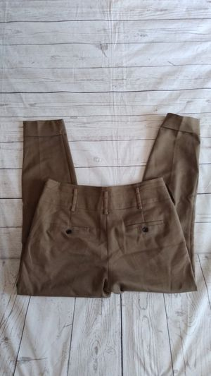 Beautiful Zara Basic Pants , women's size 5. ( excellent condition ) for Sale in Frederick, MD