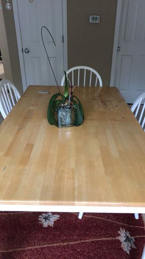 Dining table ( free pick up ) tomorrow for Sale in Snohomish, WA
