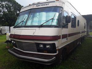 38Ft 1990 Sprinter by Mallard for Sale in St. Petersburg, FL