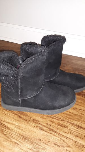 Girls sz 4 boots for Sale in Columbus, OH