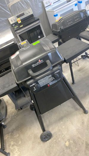 Char broil propane Pitt 9Y 9V for Sale in Los Angeles, CA